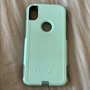 iPhone XS Max otter box